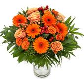 Πορτοκαλί Πεταλούδα Πορτοκαλί ζέρμπερες και τριαντάφυλλα με λουλούδια εποχής