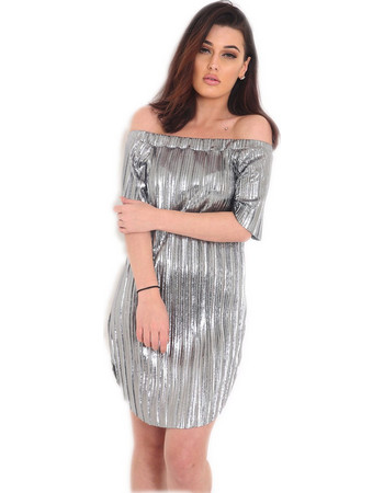 1b29148e038 Πλισέ μεταλλιζέ φόρεμα με ανοιχτούς ώμους