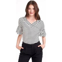 423255db5db2 Ριγέ μπλούζα με βολάν στα μανίκια - Λευκό