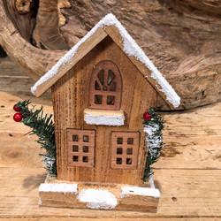 9eaf9ffb44d0 Χριστουγεννιάτικο Φωτιζόμενο Σπιτάκι Ξύλινο Χιονισμένο Led Λαμπάκια  Μπαταρία 21εκ Χ