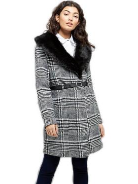 afc059cad0 Καρώ παλτό με γούνα